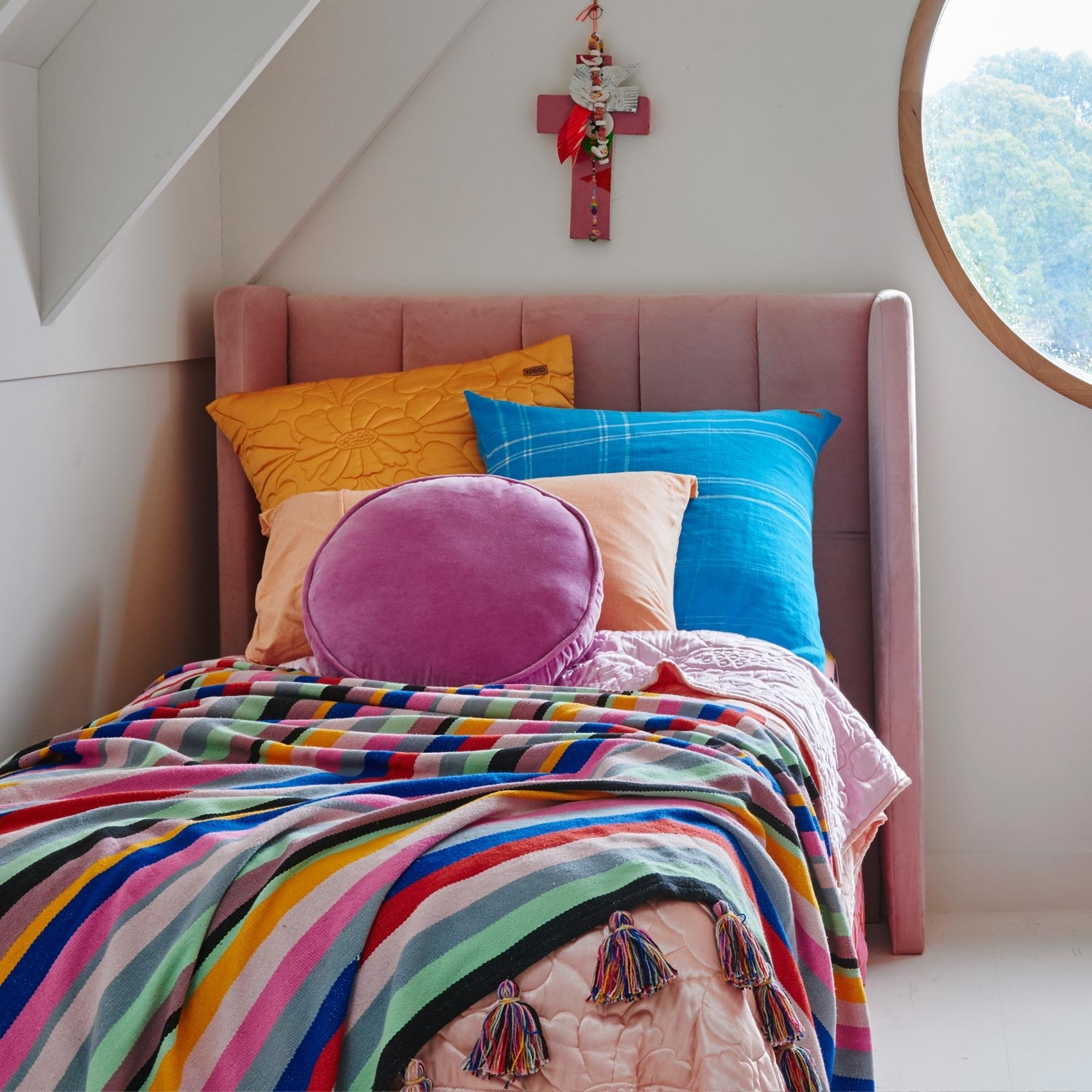 kip_co-aw18-magical-kingdom-quilted-comforter-bedspread_2